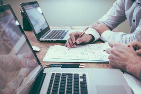 Makler können komplexe Preisabfragen in Echtzeit durchführen und ihren Kunden sekundenschnell das passende Versicherungsprodukt heraussuchen.