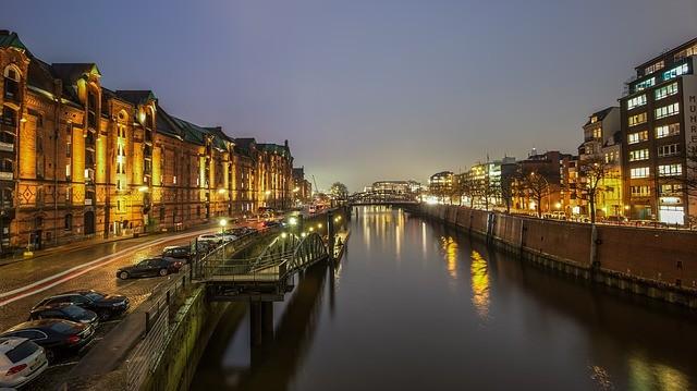 Hamburg bekommt den Strukturwandel in der Versicherungsbranche voll zu spüren.
