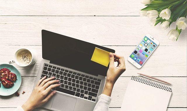Digitales Serviceangebot: Versicherungskammer und Clark kooperieren