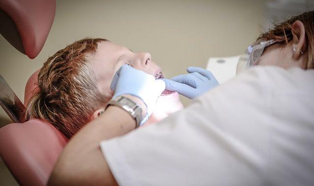 Neue Beratungshilfe zur Zahnzusatzversicherung: Was Kassenpatienten als Eigenanteil stemmen müssen!