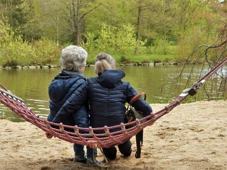 Bei Demenz ist frühe Diagnose wichtig - IDEAL Versicherung startet Informationsreihe News
