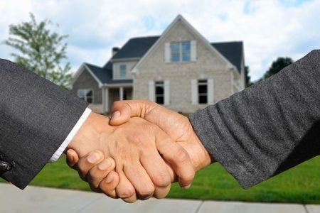 Die Wohnungsgesellschaft LEG Immobilien vergrößert ihr Portfolio