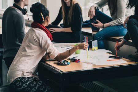 Tipps für Studierende und Azubis: So gelingt der Start ins eigene Leben