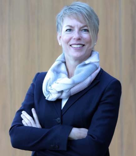 Carola Schroeder verstärkt den Vorstand der Barmenia Versicherungen