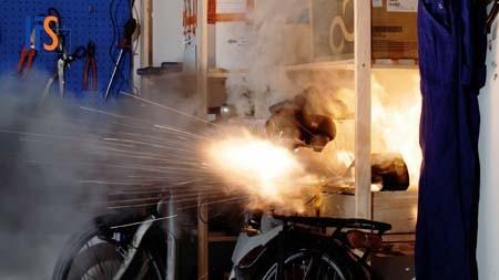 Schadenforscher warnen: Brände durch Lithium-Akkus nehmen zu