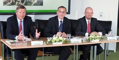 Vorstand Frank Diegel, Vorstandsvorsitzender Uwe Ludka und Vorstand Frank Thomsen (v.l.)