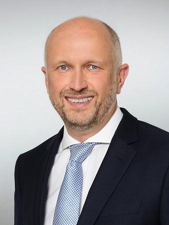 Hubert_Becker_Managing_Partner_Instinctif_Partners