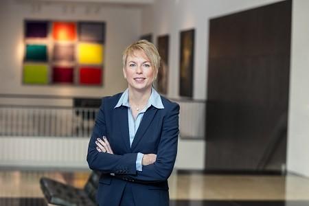 Carola Schroeder, Vorstandsmitglied der Barmenia und verantwortlich für die Kapitalanlage