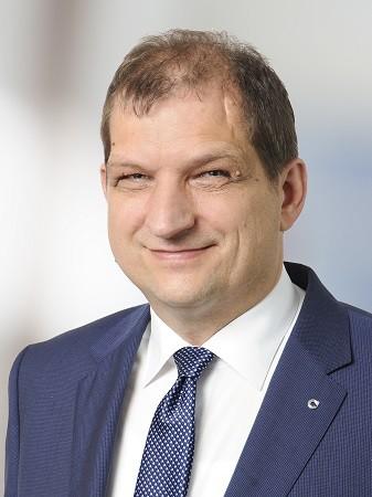 Dr. Helmut Hofmeier Vorstand Kranken- und Lebensversicherung