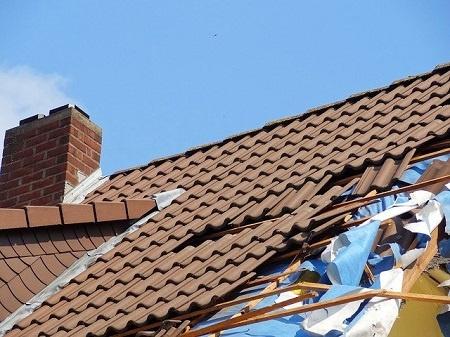 Sturmschäden: Diese Versicherungen helfen im Schadensfall