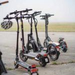Acht E-Scooter im ADAC Test