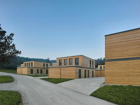 Vorbild für kostenbewusste Bauherren? Seriell konzipierte Siedlung von Aktivhaus in Winnenden. (Foto: Zooey Braun, Stuttgart)