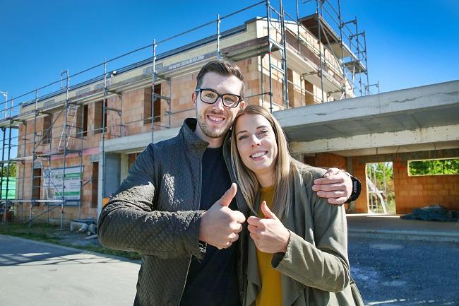Immobilienbesitzer koennen sich freuen Viele neue Regeln bei Foerderungen und Fristen fallen zu ihren Gunsten aus. Foto Bausparkasse Schwaebisch Hall