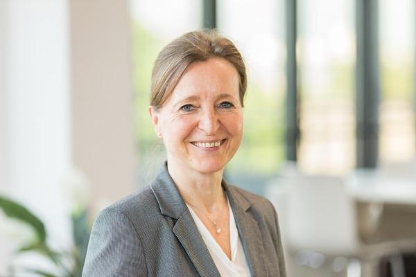 DEVK PM Annette Hetzenegger DEVK 2021 01 11 b