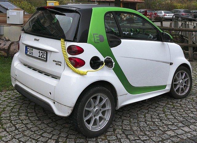 Wuerttembergische mit umfassendem Versicherungsschutz fuer E Autos